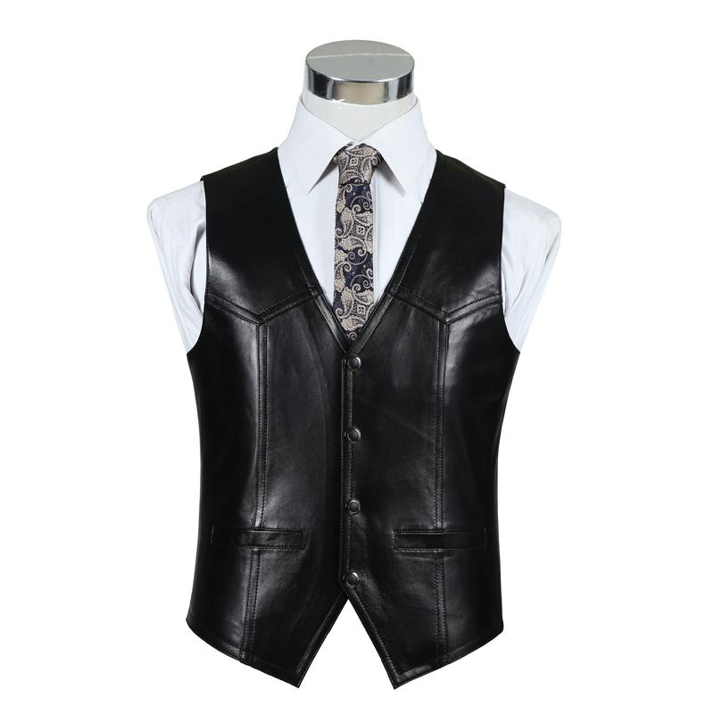 Men. Waistcoats. Waistcoats. Take your formal look to the next level with a refined waistcoat – choose from smart black, light linen and double-breasted styles. 50 items. 50 items Show Show. Show 96 items. Display. Product On Model. Sort by: NEW ARRIVALS Sort by: Page. 1 of 1.