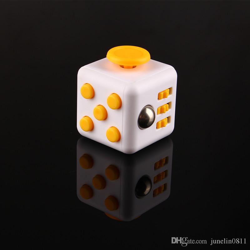 2017 Fidget Cube Jeux de jouets pour adultes World American Desk Toys Adultes et enfants Décompressions Anxiété Jouets Enfants Cadeaux de Noël DHL
