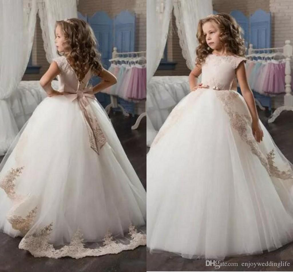 2017 Cheap Lace Flower Girls Dresses Cap Sleeves Princess Girl Pageant Gowns