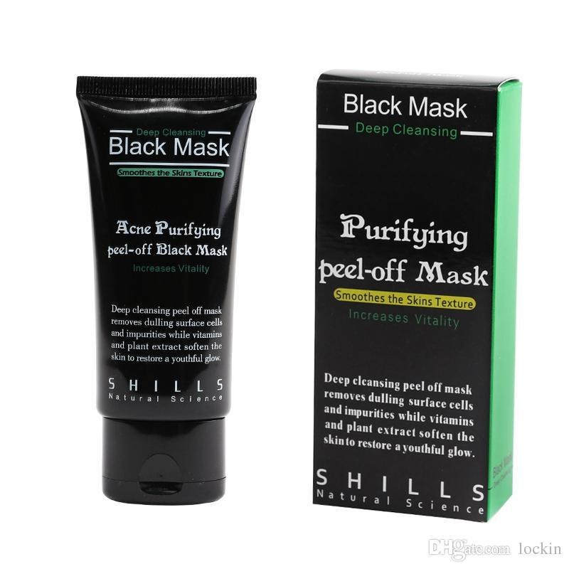 La arcilla negra como la máscara para la persona