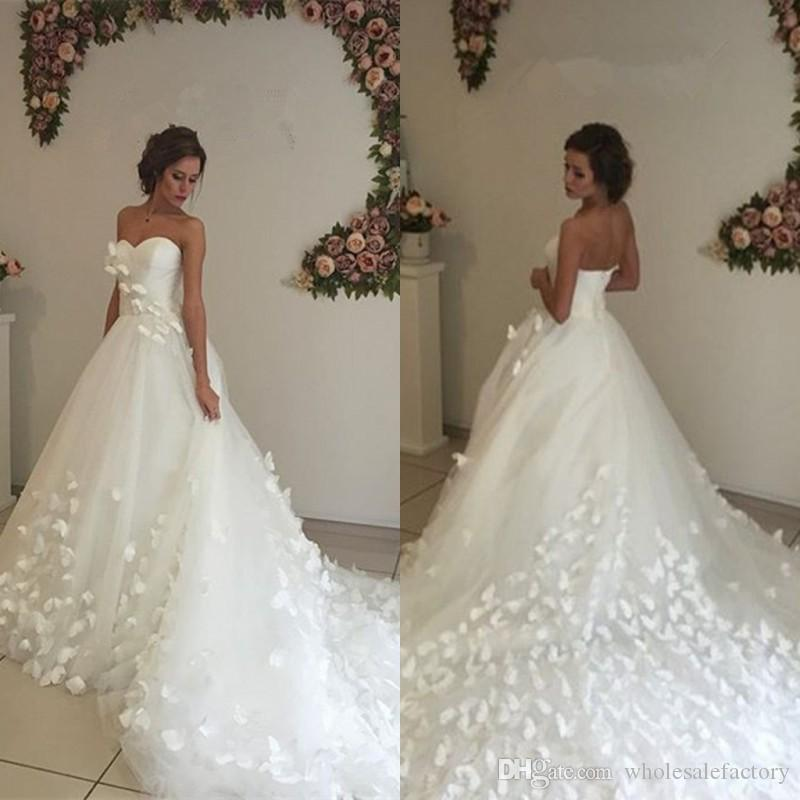 Glamorous 3d floral appliques ball gown wedding dresses for Floral wedding dresses 2017