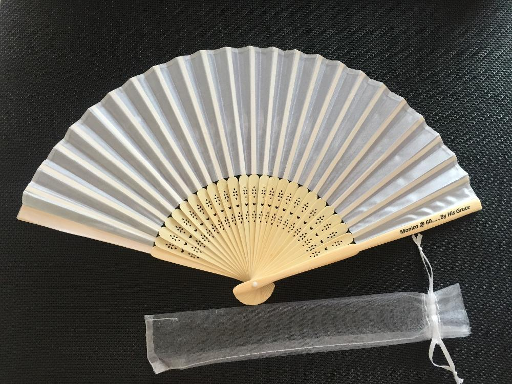 Wholesale Personalized White Silk Hand Fan Silk Wedding Fan With Organza Gift Bag Packing