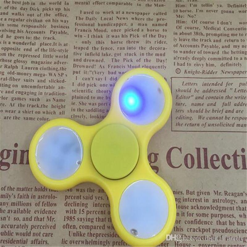 LED Light Hand Spinner ABS Luminous avec interrupteur Tri-Spinner Fidget Spinner