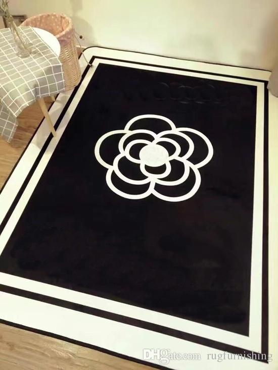 Fashion European Style Brand New Living Room Area Rugs 150 X 200 Cm Non Slip Black White Flannel Home Furnishing Carpet Rug
