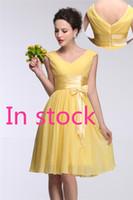 2017 Короткие платья невесты до 50 реального изображения Женщины V шеи колено Длина Желтый шифон линии Capped вечернее платье