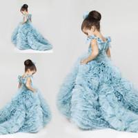 Новый Довольно цветок девочки платья 2016 года Ruched Многоуровневое Ice Blue Опухшие девочки платья для свадебного платья плюс размер платья Pageant скользящим шлейфом