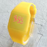 Brand New silicium tactile ultra-mince LED Watch sport bonbons à la gelée électronique numérique unisexe Hommes montres femmes de cadeaux