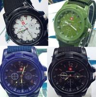 Noël de luxe HOT analogique SWISS ARMY nouvelle mode SPORT MILITAIRE STYLE TRENDY Montres de montres hommes, noir, vert, bleu montres de Genève