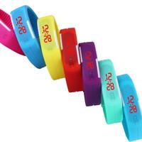 2015 Écran Montres Nouveau Mode LED Sport bonbons couleur en caoutchouc souple en silicone tactile numérique Montres Imperméable Bracelet Montre
