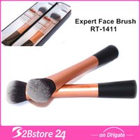 Real Techniques Expert Face Makeup Brush - apply and blend c...