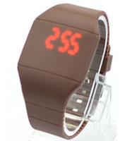 caoutchouc tactile ultra-mince en plastique LED Watch sport bonbons à la gelée électronique numérique unisexe Hommes montres femmes de cadeaux