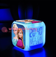 7 Изменение цвета светодиодные Розничная и Новый Замороженные цифровой будильник Замороженные Анна и Эльза термометр Ночь Красочный bo6972 светящийся Часы