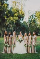 Великолепная золотыми блестками Оболочка платья невесты Cap рукава Jewel декольте до пола Длина свадьбу платья Свадебные горничной честь платье