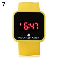 Mode silicone unisexe de date de Sport Montre numérique Hommes Femmes tactile LED montre-bracelet d'écran Place Jelly Watch