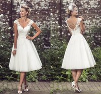 Лето 2016 Короткие свадебные платья A-Line длины колена Тюль V шеи втулки крышки Pearls 1950-х мантий Урожай Сад Пляж Свадебные кружева Свадебные