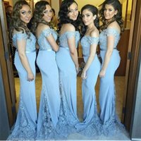 Baratos Backless sereia Vestidos dama Off The Shoulder Light Blue Lace manga curta Pavimento Length Prom Vestido longo da empregada doméstica honra de vestir