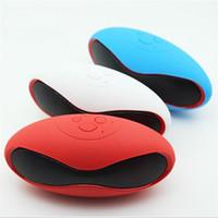 Wireless Bluetooth Football Haut-parleurs stéréo haut-parleurs Haut-parleurs portables V3.0 avec U Disk TF Card Mic ZKT DHL Retail box