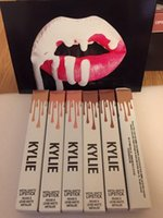 Lipgloss Kylie Lip Kit by kylie Jenner Lipstick With Lip Glo...