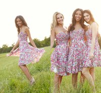 Knee Length Printed Bridesmaids Dresses Pleated Strapless Su...