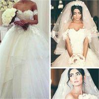 2017 года линии Свадебные платья с плеча Открыть Назад Кружева Аппликации Tiers Юбки Sexy Свадебные платья Vestidos De Новия BO9461