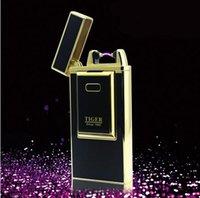 Nouveau Upscale USB Lighter Rechargeable Flameless Electric Arc Windproof Nouveauté Lighter Portable peut être pris en avion