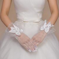 2016 Fashion White Bridal Wedding Gloves Short Wrist Luxury ...