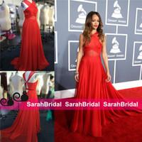 Дешевые Rihanna Grammys Ковровые знаменитости платья шифон Холтер 2015 крест-накрест Прохладный моды платья Формальные партии вечера выпускного вечера Плюс Размер шарика