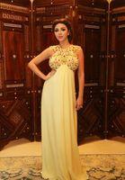 2016 Мириам Фарес бисером Пром платья Желтый шифон линии Sexy полые арабский Длинные Беременные женщины носят платья официально партии вечерние платья