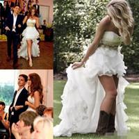 Скромная High Low Country Style Свадебные платья Милая оборками 2016 органзы Асимметричный Монтажн Привет Lo Свадебные платья плюс размер Дешевые