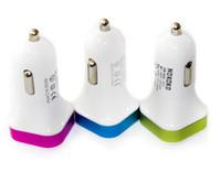 Chargeurs originaux libres de téléphone cellulaire de DHL Chargeur de voiture de qualité duel double USB 5V 2.1A 1A pour le sac d'opp de l'iphone 6s samsung S7