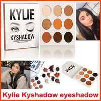 В НАЛИЧИИ Kyshadow Kit Дженнер Пудра Eye Shadow Palette Кайли Косметика водонепроницаемого Eyeshadow Palette Bronze 9 цветов / комплект