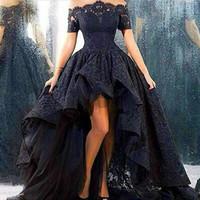 Элегантный с плеча бальное платье Высокий Низкий Пром платья Длинные черные кружева оборками Вечерние платья 2016 Robe De Soiree