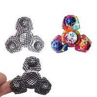 Plus récent Forme spéciale EDC Fidget Spinner Camouflage Triangle Tri Spinner pour Autisme et ADHD Enfants Colorful Hand Spinner Toys DHL Free