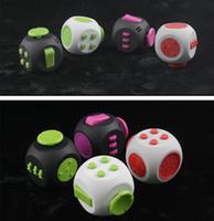 3.8 * 3.8 Round Fidget Cube 9 cores Fidget Dice Alivia Stress Adultos Ansiedade Atenção Brinquedo Mão Spinner Fidget Brinquedos 60pcs OOA1380
