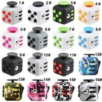 Camo Fidget Cube Fidget juguetes de descompresión Juega los primeros cubos del mundo de 16 colores Fidget con caja al por menor