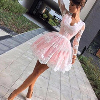2017 Vestidos de vestidos curtos e curtos Simples colete de pescoço Longo Illusion Sleeves Vestidos de festa Lace Applique Prom Cocktail Dresses Cheap Dress