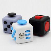 Fidget cube 2017 Nuevo juguete de descompresión de los primeros juguetes de ansiedad de descompresión estadounidense del mundo con la caja al por menor DHL libre
