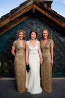 2017 Bridesmaids платья A Line V образным вырезом с коротким рукавом Capped Empire Gold Sequin фрейлин платья плюс размер Bridemaid халатов выполненном на заказ