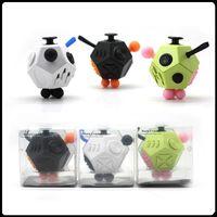 Nuevo Popular 12 caras Fidget cubo Descompresión Toy la primera ansiedad de descompresión americana del mundo Juguetes Hot