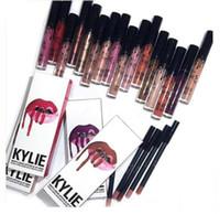 Kit del labio de Kylie de Kylie jenner Lápiz labial del lustre del labio 28 colores lápiz labial antiadherente de la línea de la taza lápices labiales 1set = 1lipstick + 1lipliner