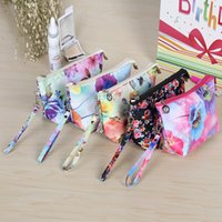 100pcs lot 2017 New Arrival Cosmetic Bags Mix Floral Printed...