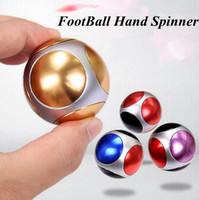 Football Spinner à main Alliage de football Gyro à doigts ronds Fingertips Spirale Décompression Spinner Jouets 4 Couleurs OOA1840
