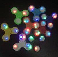 8 cores ABS diodo emissor de luz luminoso mão fingertip espiral dedos Gyro Torqbar Fidget Spinner descompressão Brinquedos CCA5818 300pcs