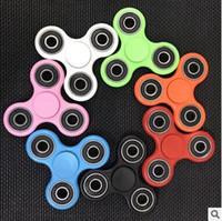 7 cores EDC Fidget Spinner brinquedo dedo Spinner brinquedo mão Tri Spinner HandSpinner EDC brinquedo para a descompressão Ansiedade Brinquedos CCA5738 150pcs