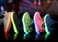 NOUVEAU les enfants LED Chaussures lumineuses clignotant Chaussures avec USB Charge Unisex Fluorescent lumière jusqu'à Chaussures Parti et Sport Chaussures Casual pour les enfants