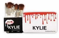 Kylie jenner oval Ensembles de brosses de maquillage Cosmétiques Brosse Fondation BB Crème Poudre Blush 12pcs set Outils de maquillage + boîte en métal