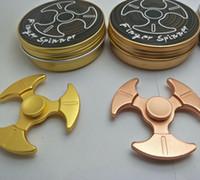 Triângulo Axe Forma Mão Spinner Metal Finger Toy Bom Para Autismo Chirldren Fidget Spinners Brinquedos Spinning Top Com Embalagem De Retalho OOA1495