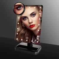 Le miroir de maquillage LED miroir de maquillage miroir se lever pour bureau avec 10x magnify petit miroir rond blanc boîte de vente au détail d'emballage