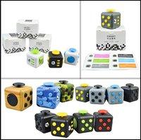 18 cores Fidget Cube brinquedo do mundo Frst American descompressão ansiedade Brinquedos Upgraded camuflagem Fidget cubo CCA5782 300pcs
