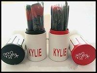 2016 Новое прибытие макияж кисти макияж Кайли куст 12pcs / комплект Kylie кисти фундамент румяна инструменты порошок макияж верхнего качества бесплатную доставку